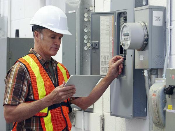 Obbligo-certificato-normativa-sistemi-elettrici-idraulici