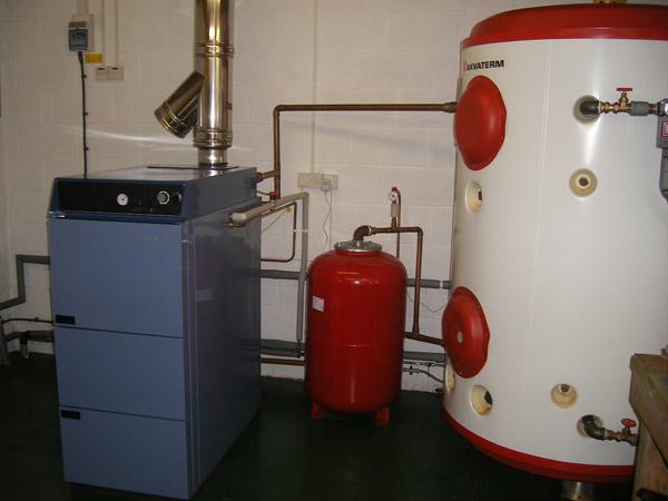 Serbatoio-accumulo-acqua-calda-lombardia